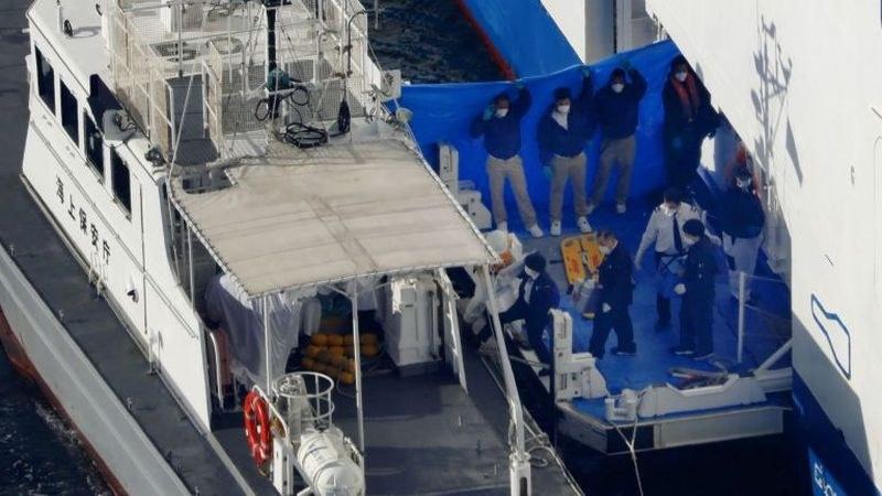 Над 40 американци на круизен кораб край Япония са заразени с коронавируса