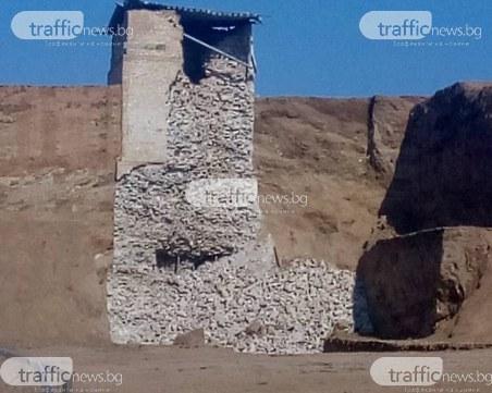 Дъждът срути фасадата на внушителната кула на Малтепе
