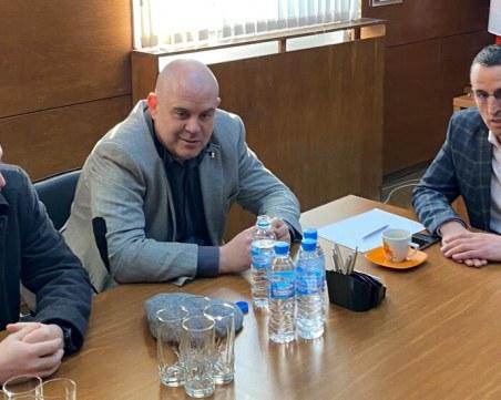 Обвиниха 9 души след спецакцията в Чирпан и Стара Загора
