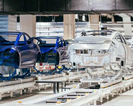 Спряха стоежа на завода за €4 милиарда на Tesla в Германия