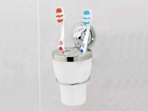 Как да почистваме правилно четката за зъби
