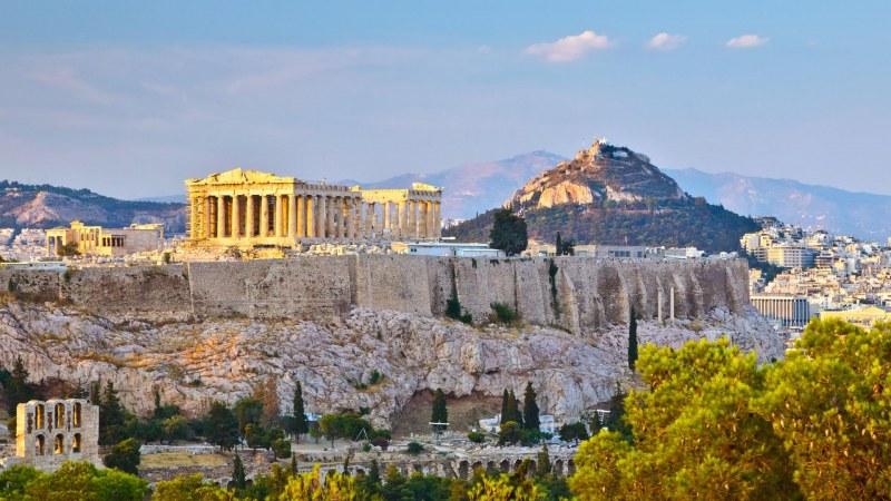 Гърците искат по-високи пенсии! Блокират транспорта в столицата