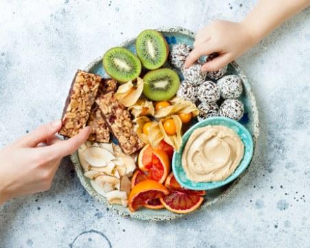 Грешки в междинните закуски, които ви карат да напълнявате