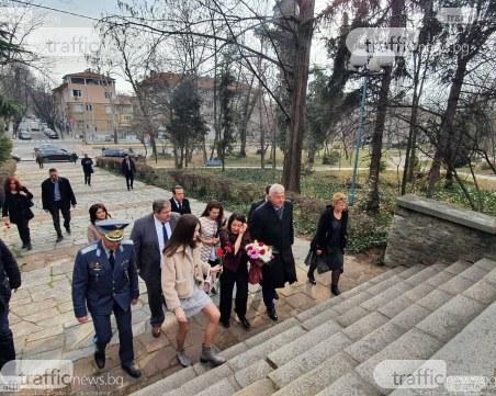 Херо Мустафа: За мен е чест да положа венец на паметника на Левски! Да живее България