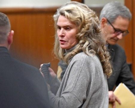 Пуснаха жената на Васил Божков срещу 1.5 милиона лева