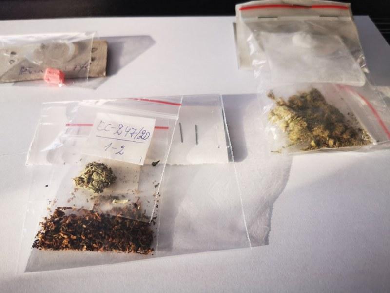 Нова акция за дрога в училищата в Пловдив! 7 души са арестувани