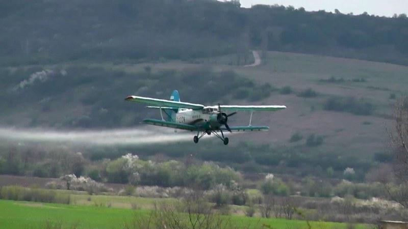 Самолет с 14 души падна в Русия