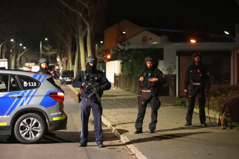Стрелба в два бара в Германия! Най-малко 10 души са загинали