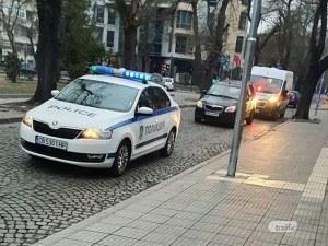 Катастрофа в центъра на Пловдив! Кола блъсна пешеходец