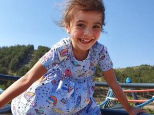 Петгодишната Бориса се нуждае от средства, за да продължи борбата си за живот