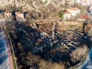 Пловдивски архитекти с писмо до Банов за терена на Понеделник пазара: Купувайте!