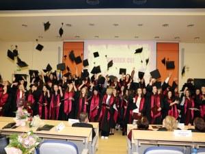 69 медицински сестри получиха дипломи в Медицински университет-Пловдив