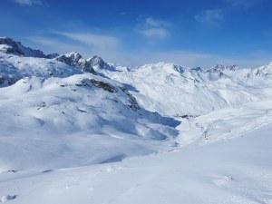 Алпинист и скиор загинаха в Алпите