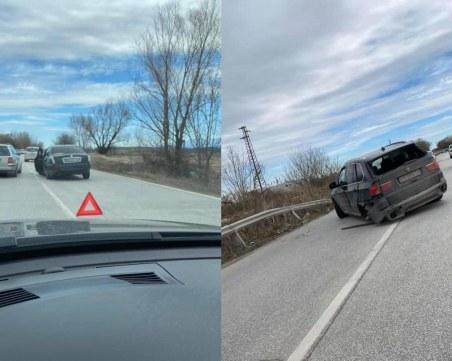 Катастрофа на един от изходите на Пловдив – две коли се удариха