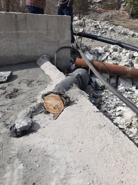 Премахнаха незаконната тръба, изсипваща отрови в река Юговска