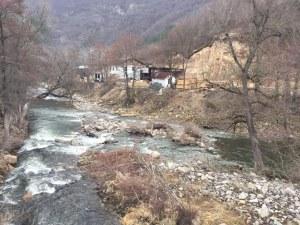 Излязоха последните проби на замърсените води над Асеновград