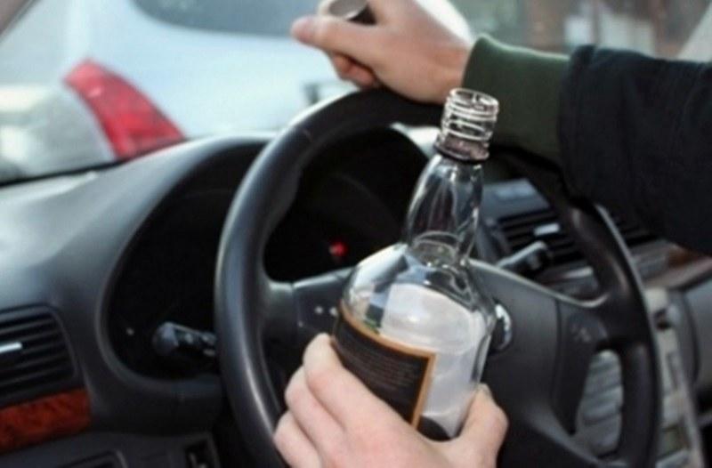 Своеволия на пътя! 23-годишен е спипан с наркотици, други двама седнаха пияни зад волана