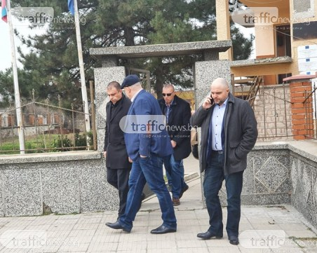 Има задържани при акцията в Пловдивско! Иван Гешев и Ивайло Иванов са на място