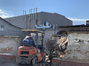 Събориха ромския катун до сладкарската фабрика в Кадиево