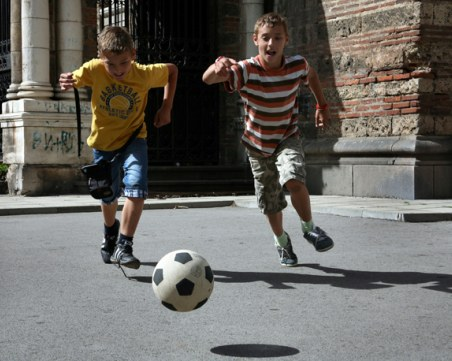Защо подвижните игри са важни за детето?