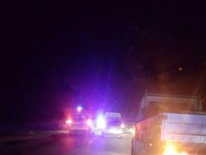 Автобус помете и уби двама шофьори, разправящи се след леко ПТП край Созопол