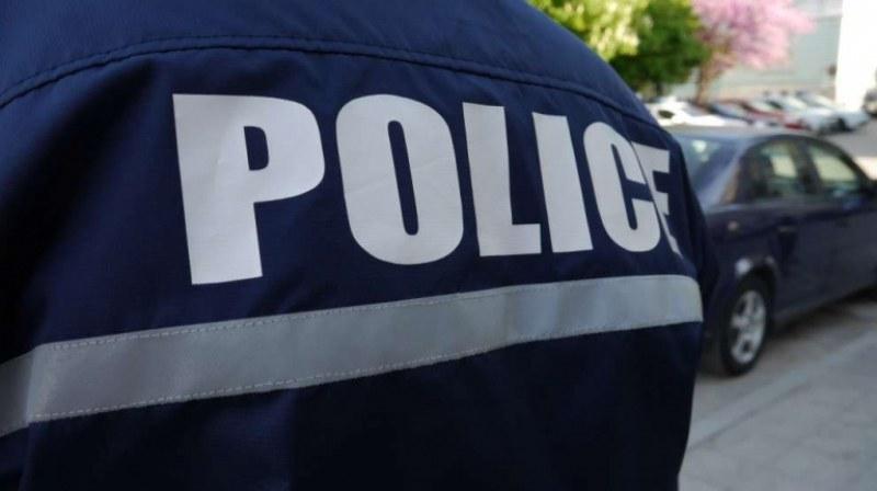 Върнаха на работа полицая от Пловдив, завлякъл семейства с хиляди левове