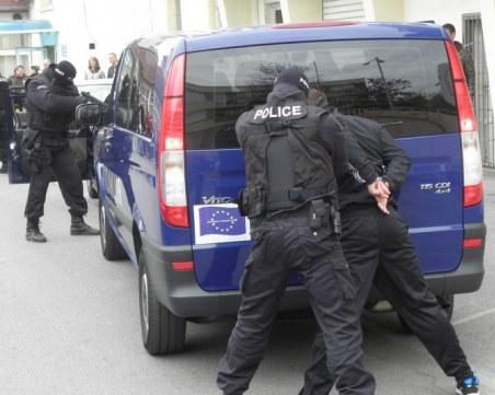 Масови арести в Благоевградско – задържаха 17 души
