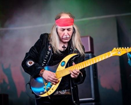 Китаристът на Скорпионс отмени концерта си в Пловдив