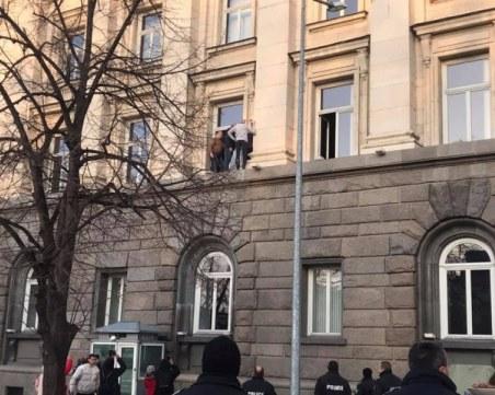Социалният министър за барикадата на сестрите: Това е политически пърформанс