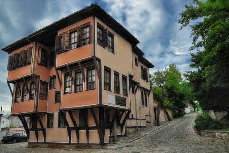 """Къща """"Ламартин"""" става център за култура, 4 фирми кандидати за проект за реставрация"""