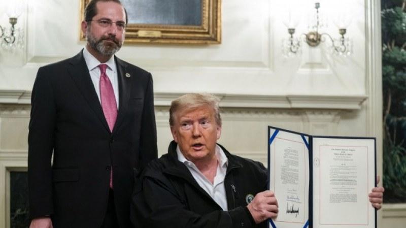 Тръмп одобри 7.8 милиарда долара за борба с коронавируса