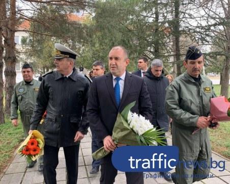 Президентът Радев от Граф Игнатиево: Не коментирам решенията на Конституционния съд