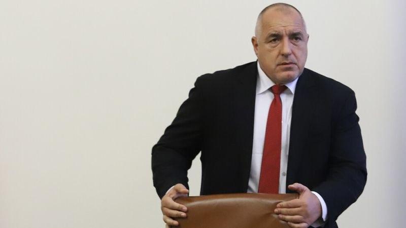 Борисов посети завод за предпазни облекла, разпореди да бъдат направени 15 000 костюма
