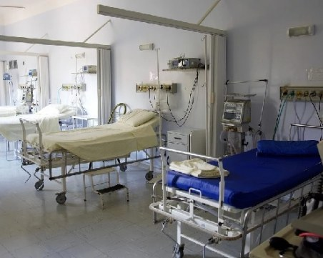 С 55 респиратора и без предпазни средства: Готови ли са пловдивските болници за епидемията?