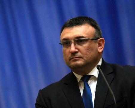Младен Маринов предупреди за нарастване на битовата престъпност и ало-измамите