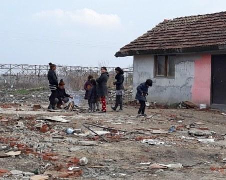 Паника във Варна – стотици роми се завръщат от Италия
