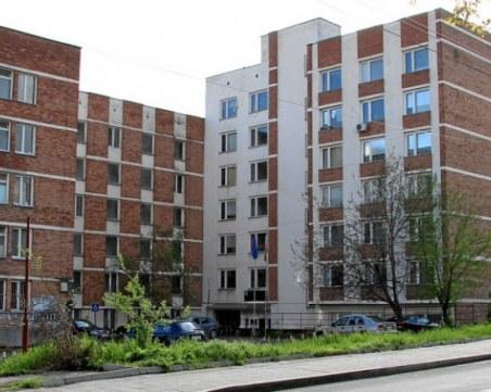 Ръководството на Американския университет: Студентите не са блокирани, остават доброволно