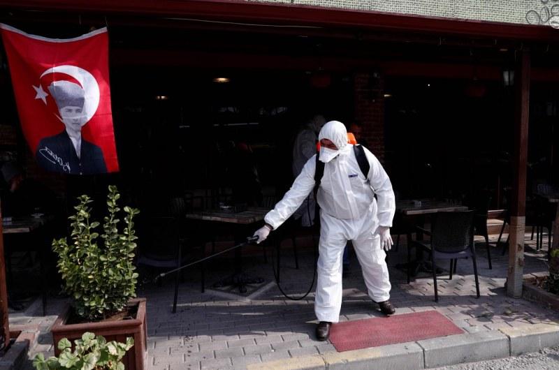Само за ден: 12 заразени с COVID-19 в Турция