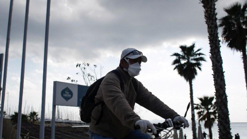Гърция затваря хотелите, спират и полетите