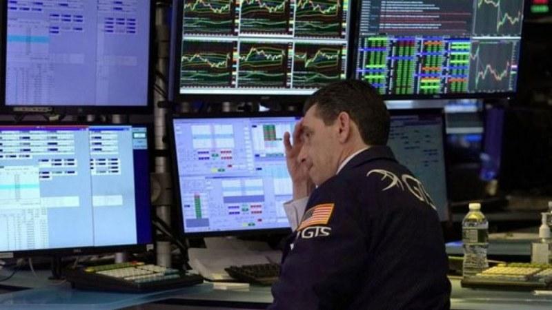 Отново срив на борсите, цената на петрола падна