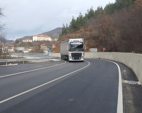 Пускат новоремонтирания път Кричим - Михалково – Смолян