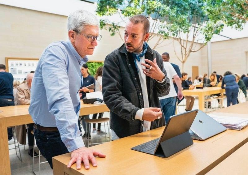 Apple ще помага на Италия и Силициевата долина