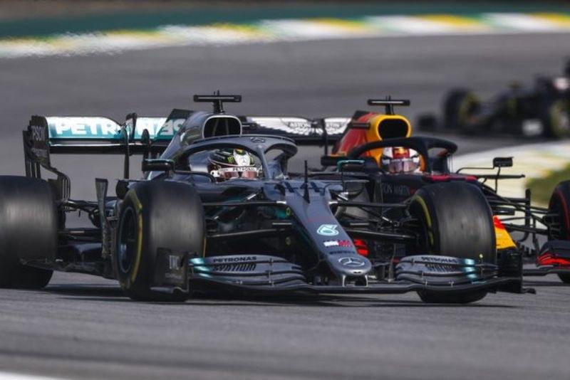 Формула 1 организира виртуални състезания на мястото на отложените