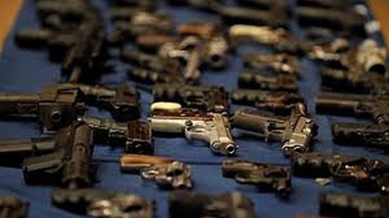 Американците започнаха да се запасяват и с оръжия