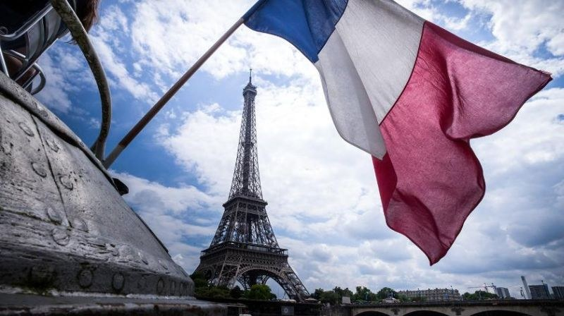 И Франция обяви извънредно положение