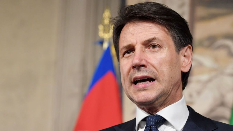 Италия затваря всички производства, които не са свързани с поддържането на живота