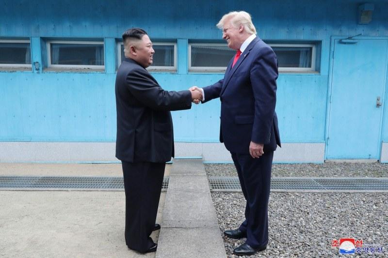 Тръмп предложи помощ на Северна Корея в борбата с COVID-19