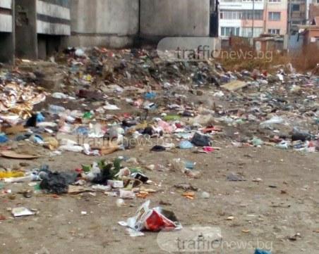 Кметът недоумява: Извозихме 50 тона боклуци за два дни от Столипиново