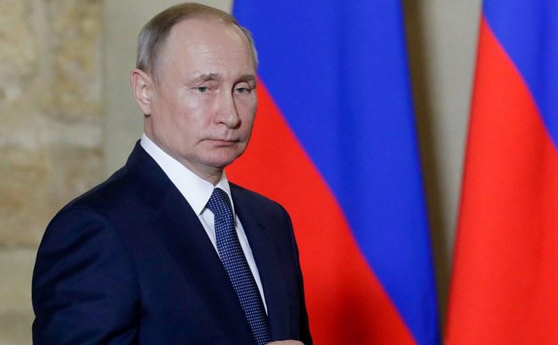 Путин отказва да работи дистанционно, отказва да се крие от COVID-19
