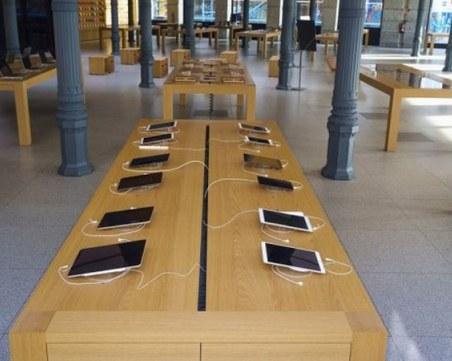 Apple може да започне да отваря част от магазините си от април